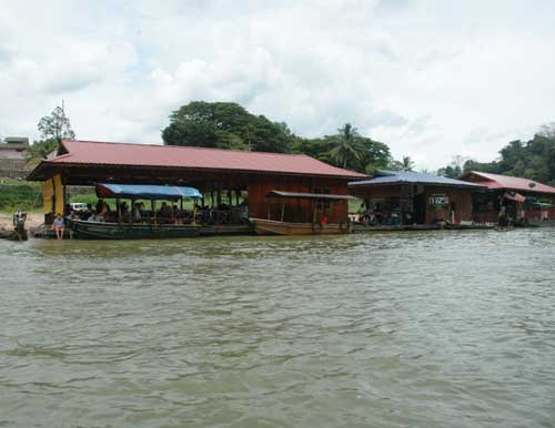 Floating Restaurants at Kuala Tahan